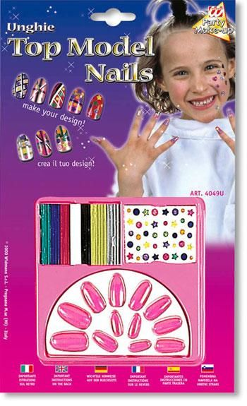 Kids Design Fingernails Pink