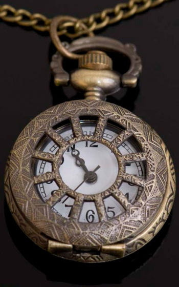 Necklace with clock pendant