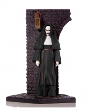 Deluxe The Nun 1:10 Statue