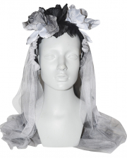 Gothic Bridal Veil With Withered Flowers