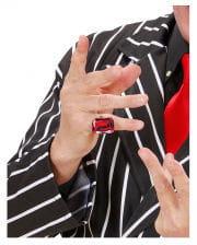 Ring mit rubinrotem Schmuckstein