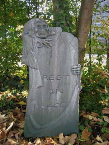 Grabstein mit Reaper linksstehend