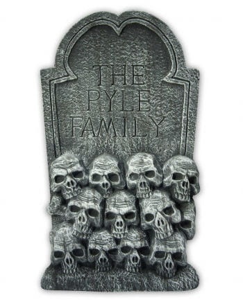 Grave stone with skulls