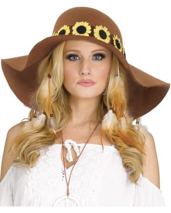 Hippie Hut mit Sonnenblumen