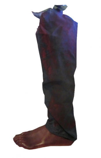 Verbrannter abgetrennter Fuß mit Hosenbein