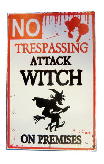 Warning attacking Witch