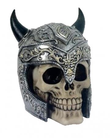 Totenkopf mit gehörntem Helm